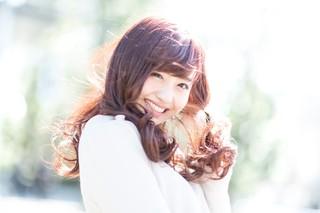 河村友歌_春の陽気とはしゃぐ彼女.jpg