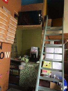 GREEN_ARROW_2016_08_20_cafe.jpg